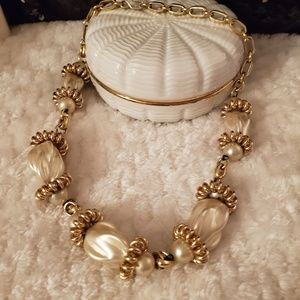 Vintage Necklace Stunning